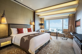 City Room, 1 King Bed, City View