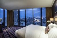 Continent Sky Club Room