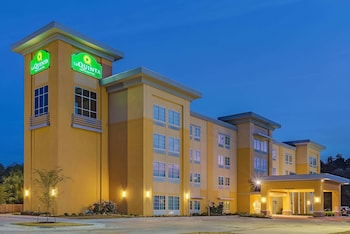 Hotel - La Quinta Inn & Suites by Wyndham Starkville at MSU