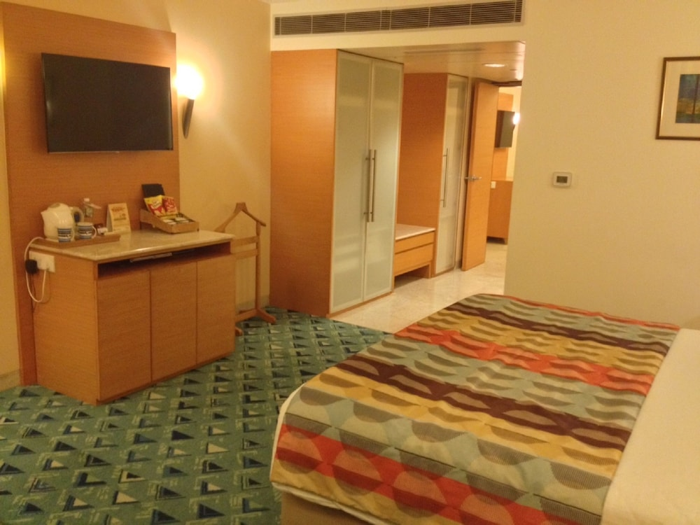 Superior Room, Multiple Beds, Multiple View (Executive Club Double)