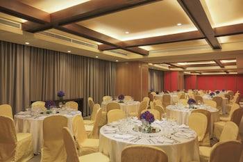 Holiday Inn Makati Banquet Hall