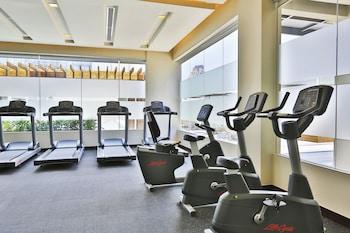 Holiday Inn Makati Gym