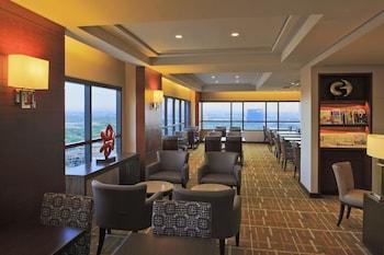 Holiday Inn Makati Executive Lounge