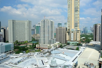 Holiday Inn Makati City View