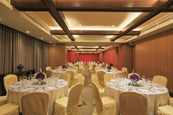 Holiday Inn Makati Banquet Hall