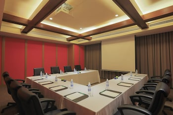 Holiday Inn Makati Meeting Facility