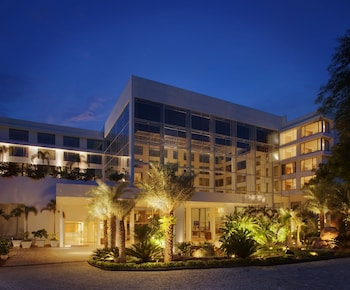 Hotel - Radisson Blu Plaza Hotel Hyderabad Banjara Hills