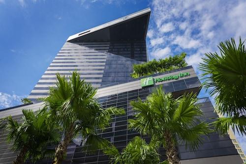 Holiday Inn Bangkok Sukhumvit, Wattana