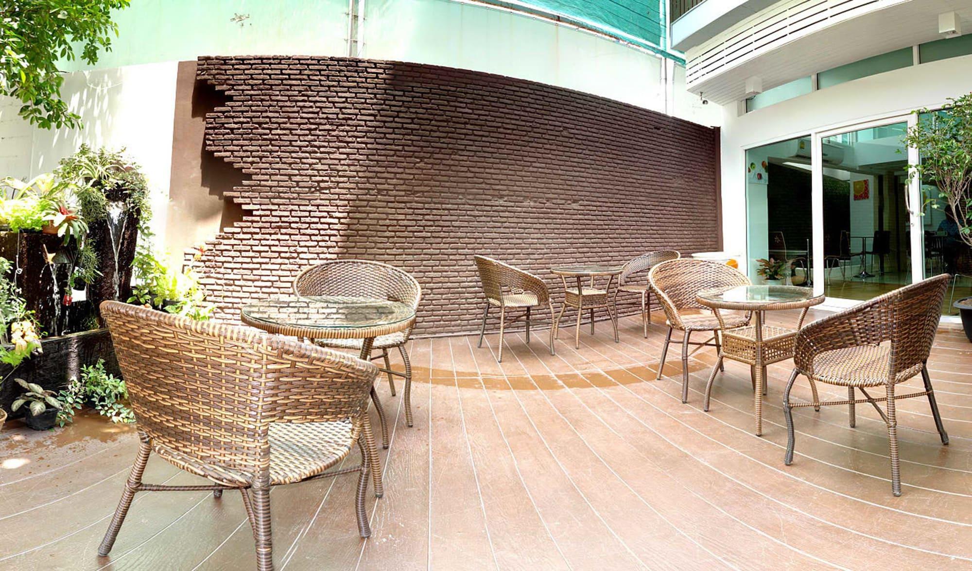 Nantra Sukhumvit 39 Hotel, Wattana