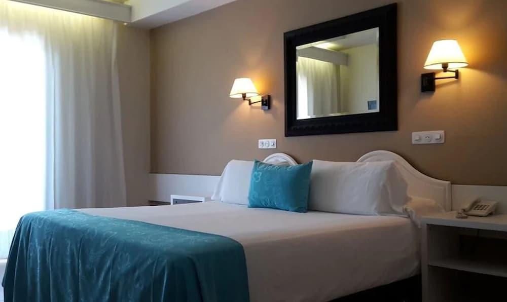 https://i.travelapi.com/hotels/6000000/5330000/5329300/5329264/412c2633_z.jpg