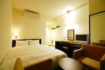 ダブルルーム ダブルベッド 1 台 禁煙|ホテル アーバント静岡