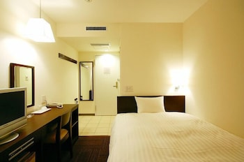 シングルルームダブルサイズベッド 1 台禁煙|ホテル アーバント静岡