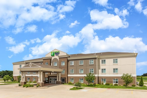 . Holiday Inn Express Hotel & Suites Albert Lea - I-35
