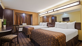 Standard Room, 2 Queen Beds, Accessible (Non-Smoking)