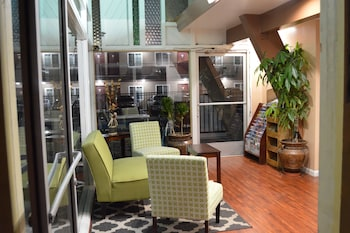 Hotel - La Casa Inn