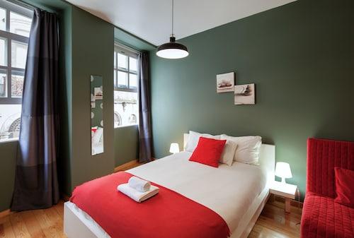 Aparthotel Oporto Entreparedes, Porto