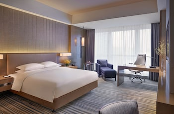 Club Room, 1 King Bed (Deluxe)