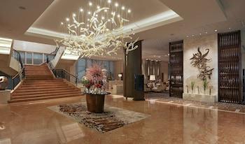 Fairmont Makati Lobby