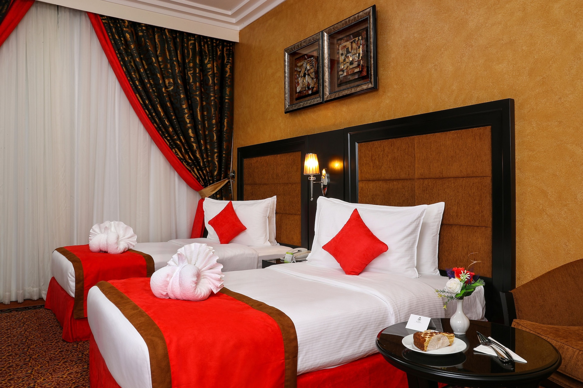 Royal Grand Suite Hotel,