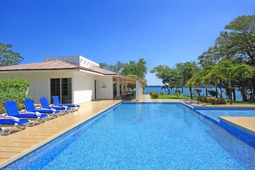 . Bocas del Mar Hotel