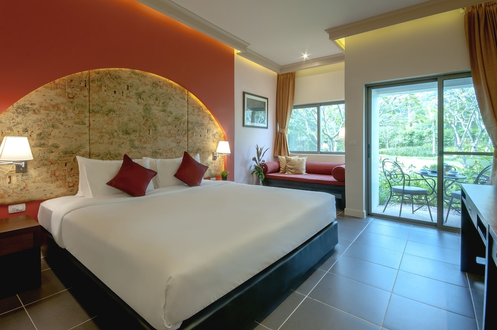 Superior Room, 1 King Bed (Garden Wing)