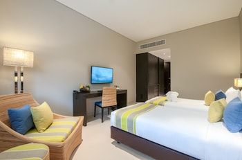 Standard Room, 2 Twin Beds (Pool Wing)