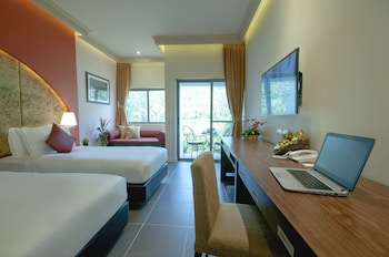 Superior Room, 2 Twin Beds (Garden Wing)
