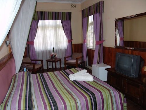 Sirona Hotel, Starehe