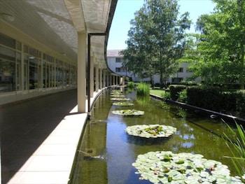 Hotel - ANU - University House Hotel