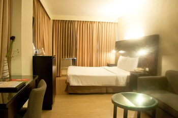 Pearl Lane Hotel Manila Room