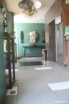 Pearl Lane Hotel Manila Interior