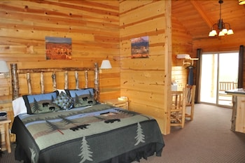 Deluxe Cabin, 1 King Bed, Kitchenette