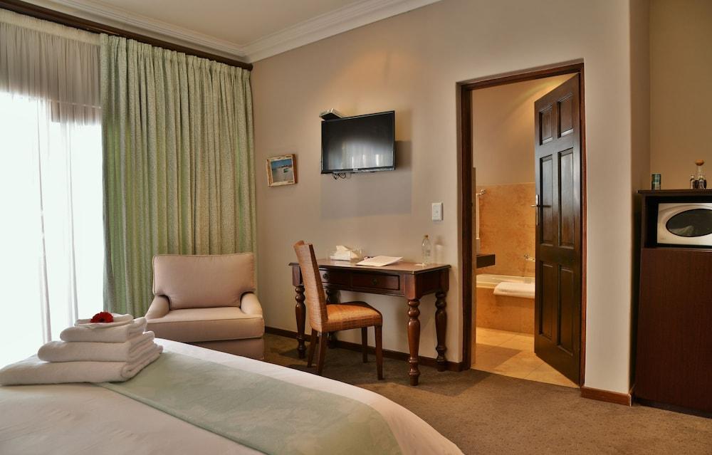 https://i.travelapi.com/hotels/6000000/5390000/5386200/5386163/21a01e77_z.jpg