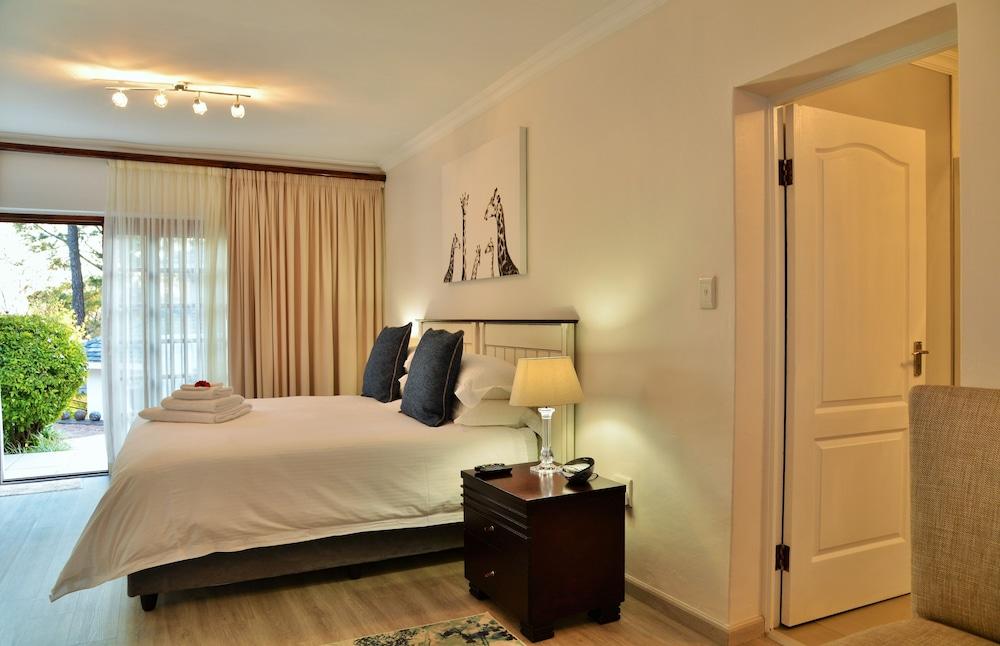 https://i.travelapi.com/hotels/6000000/5390000/5386200/5386163/86845f83_z.jpg