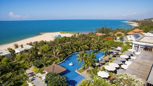 . The Cliff Resort & Residences