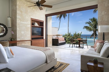 Room, 1 King Bed with Sofa bed, Beachfront (West Beach Ocean)