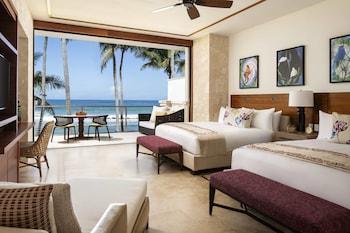 Room, Oceanfront (East Beach Plunge, 2 King Beds)