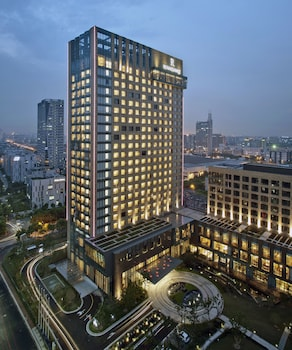 Renaissance Shanghai Caohejing Hotel - Exterior  - #0