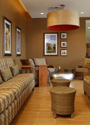 Hilton Garden Inn Cedar Falls Conference Center, Black Hawk