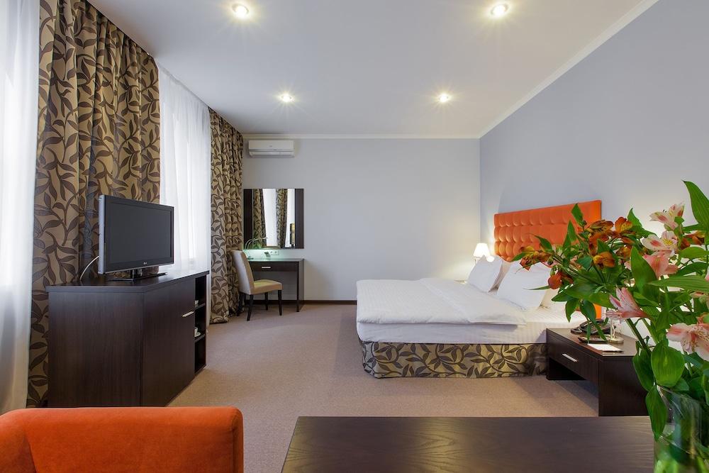 Отель «Бонтиак»