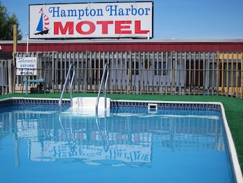 Hotel - Hampton Harbor Motel
