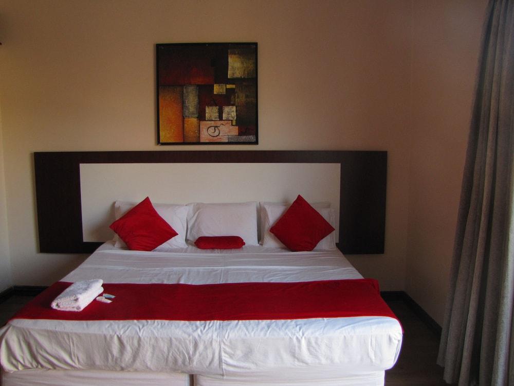 Silver Oak Luxury Accommodation, City of Johannesburg