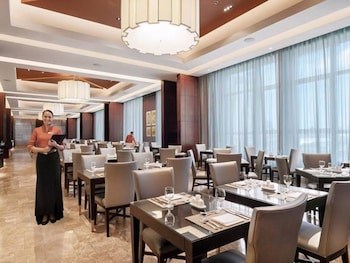 Crimson Hotel Alabang Dining