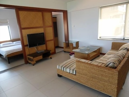 18 Degrees Blue Holiday Apartment, Sanya