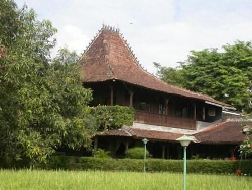 . Hills Joglo Villa