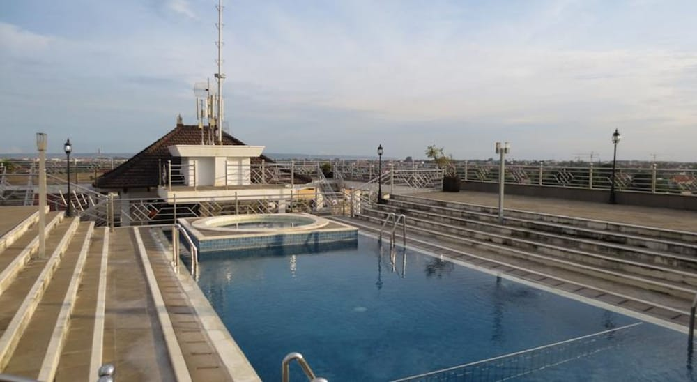 Rooftop Pool