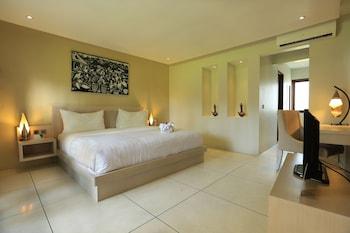 Room, Garden View