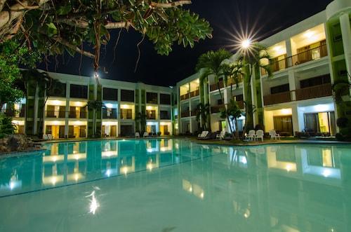 . Apple Tree Resort and Hotel