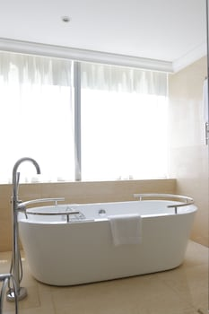 Raffles Makati Deep Soaking Bathtub