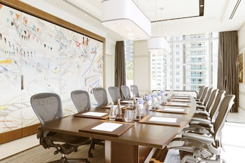 Raffles Makati Meeting Facility